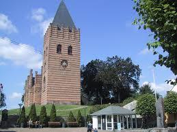 Hobro Kirke blev opført 1850-52, tegnetaf arkitekten Gottlieb Bindesbøll