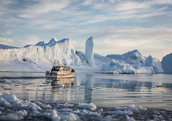 Go sailing Cruises Greenland Arctic